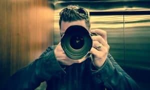 צלם מצלם תמונה